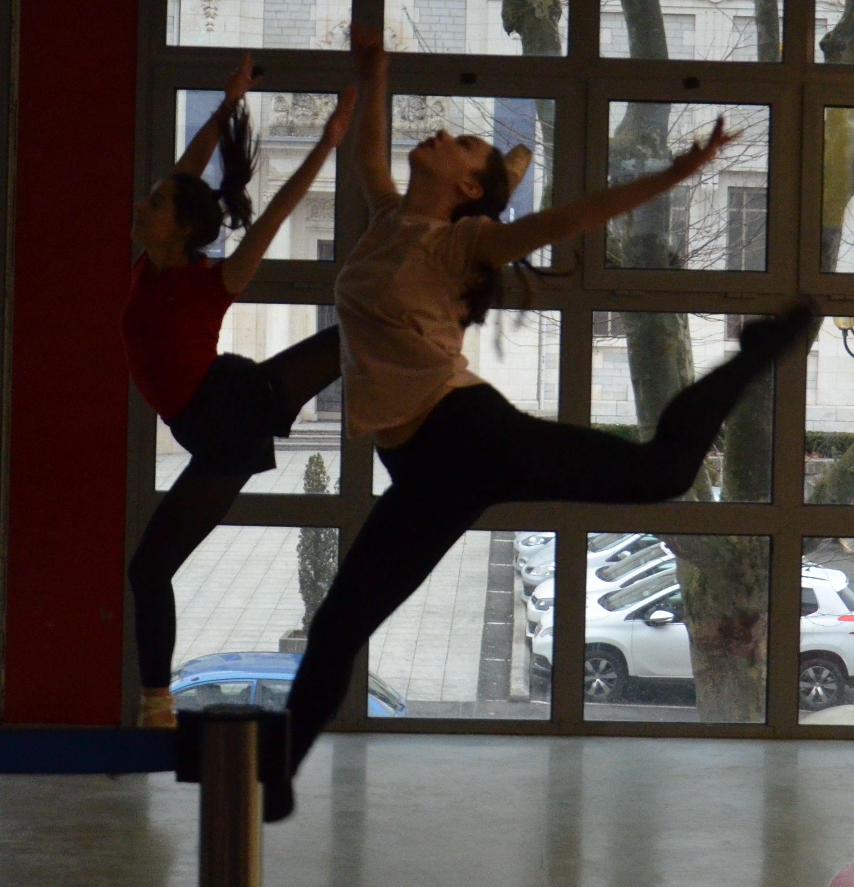 Professeurs de yoga datant des étudiants